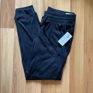 BRAND NEW old navy go-dry midrise jogger